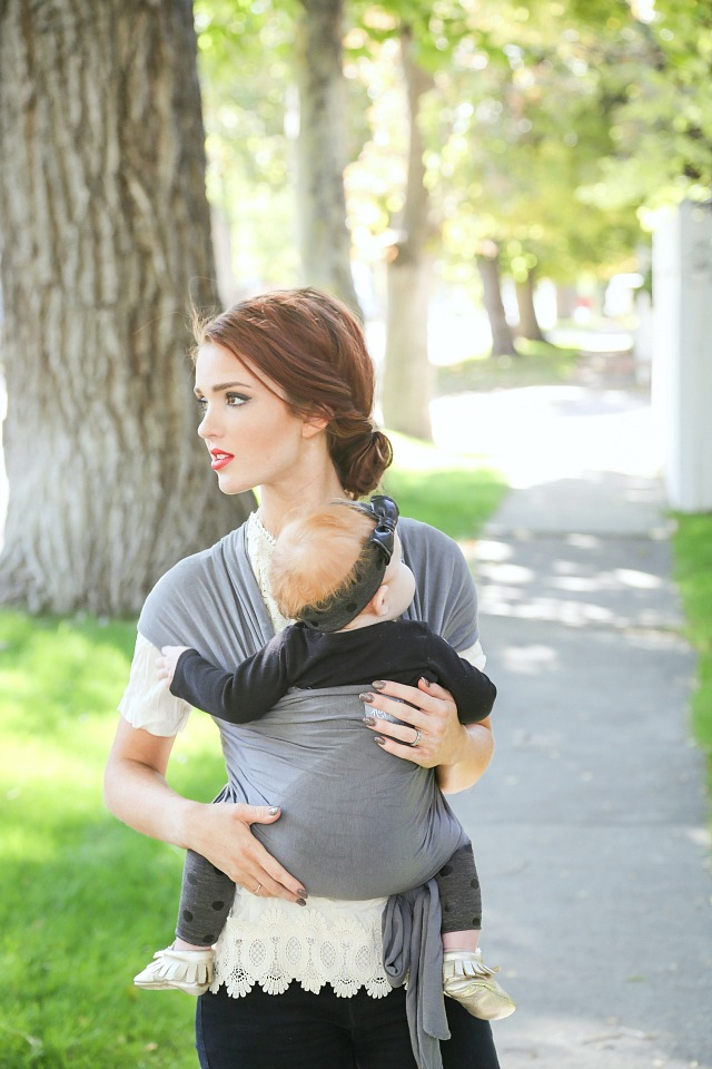 classic baby wrap how-to + a happy baby wrap giveaway!