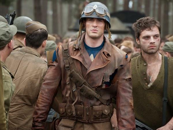 Chris Evans como Capitão América no filme O Primeiro Vingador