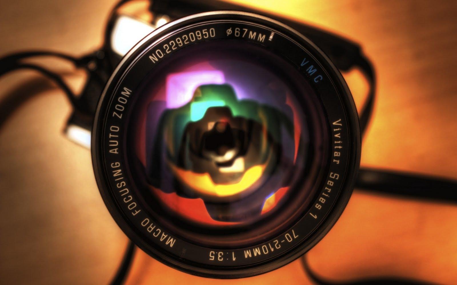 http://1.bp.blogspot.com/-mRVETDmGeCQ/TlfS3lauMWI/AAAAAAAAAMM/65iqvxl749s/s1600/Camera%2BLens.jpg