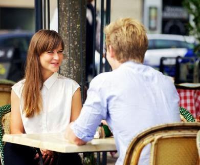 ماذا تفعل اذا وقعت في لقاء عاطفي لا تشعر فيه بالارتياح  - موعد غرامى date