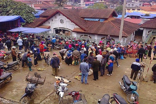 Sapa - Cat Cat village - Bac Ha market - Ban Pho village/