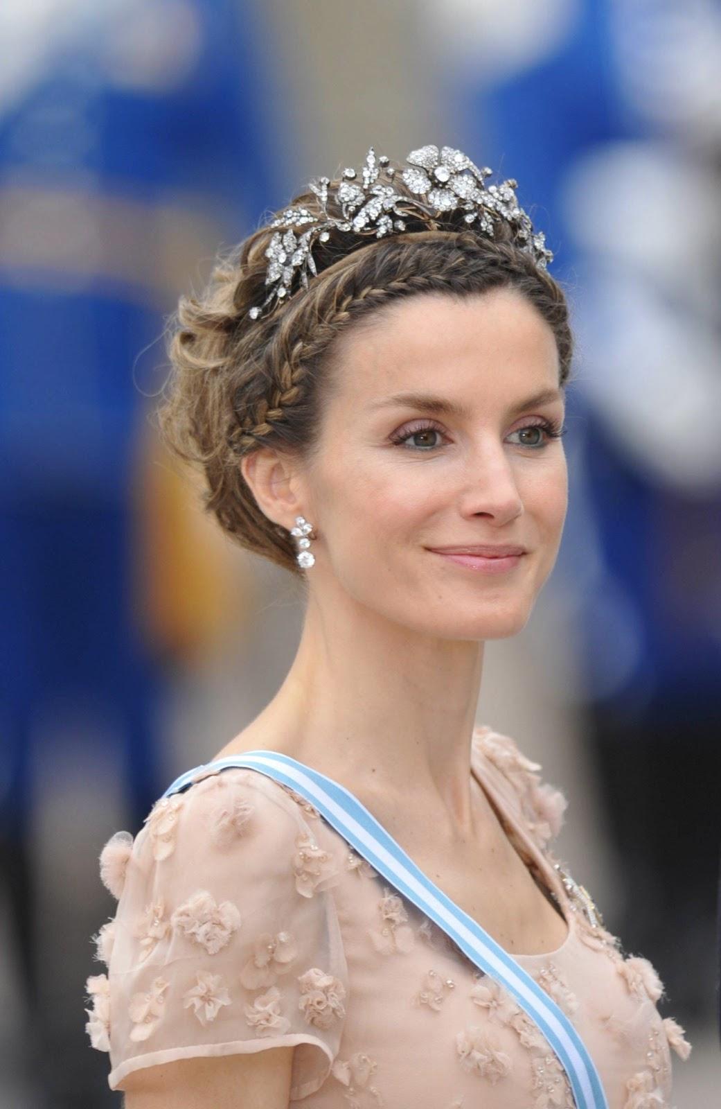 Marie Poutines Jewels amp Royals Queen Letizia of Spain : princessletiziaspaindiamondtiara from maries-jewels-royals.blogspot.com size 1041 x 1600 jpeg 162kB