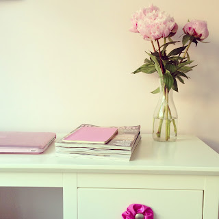Desk, Room, Interior, Peonies, Flowers, Macbook pro, Moleskin, Marie claire
