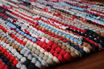 knitted tee shirt rug bathmat vanity rag rug nautical Americana rustic chic by Handiworkin' Girls