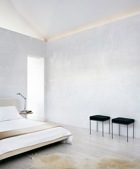 Soothing minimalist bedrooms for a simple life my paradissi for Simple minimalist bedroom