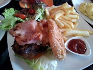 kiwi lamb burger