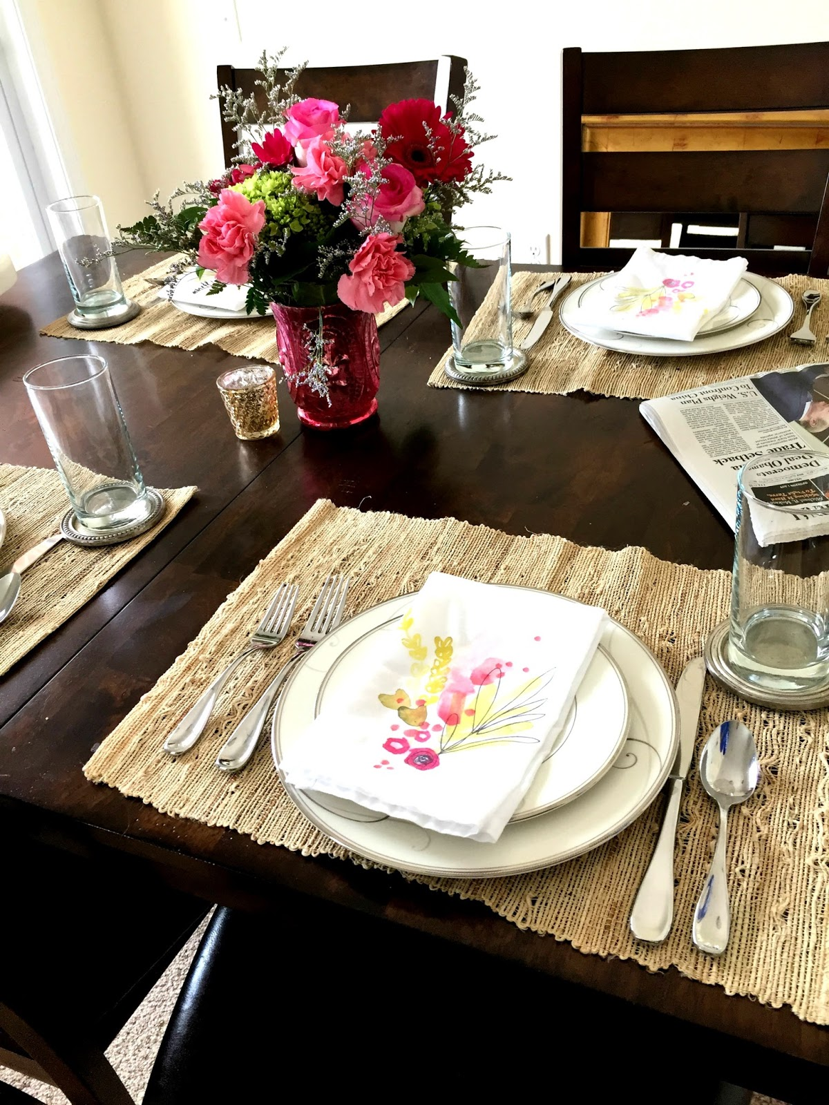ROSYRILLI.COM A simple table setting with DIY napkins