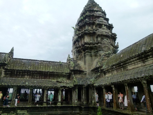 the viewing deck: Angkor Archaeological Park (Angkor Wat)