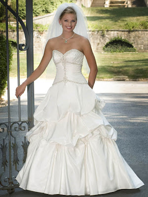 white strapless princess_wedding_dresses