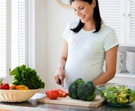 những điều cần chú ý trong ăn uống với bà bầu đau dạ dày