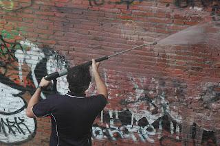 Eliminación de pintadas en fachadas