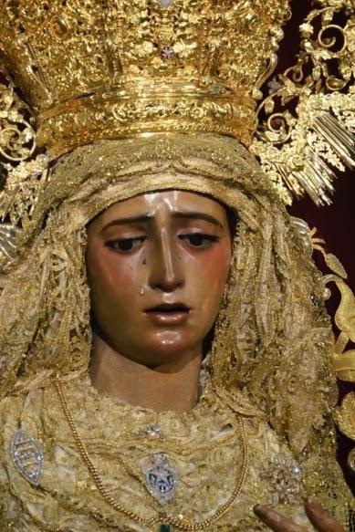 María Stma de la Amargura Coronada  ( Sevilla )