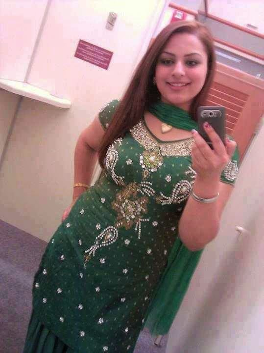 image Smart and hot indian girl show herself with her bf