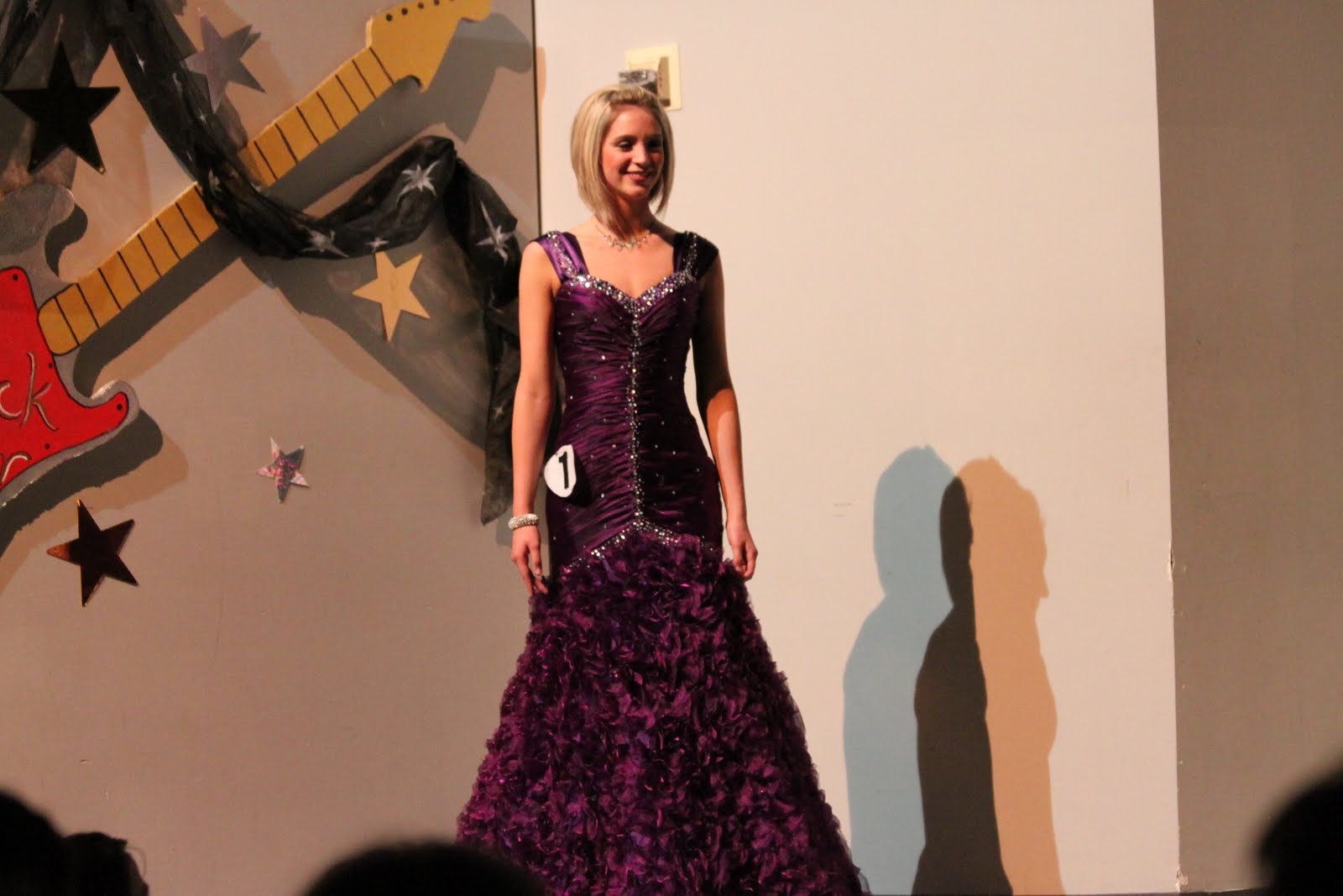 New Wearing Gowns For The Competitions First Dress Rehearsal, 21 High School Senior Girls From Across The County Stood Onstage Thursday Night In The Auditorium Of Bowling Green High School They Are Participants In The Distinguished