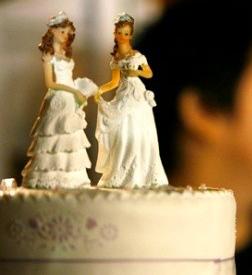 Pasangan Lesbi Ini Menikah Dengan Cara Islam