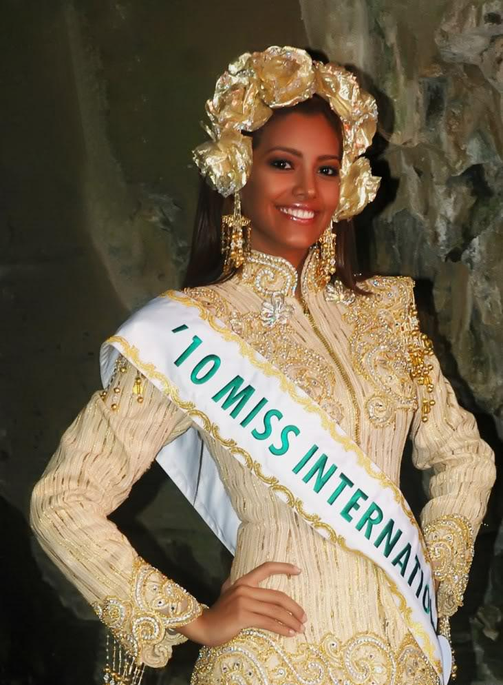 Miss International 2010,Elizabeth Mosquera