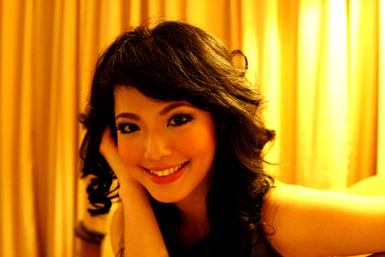 Lena Magdalena Sexy KDI Dangdut Presenter
