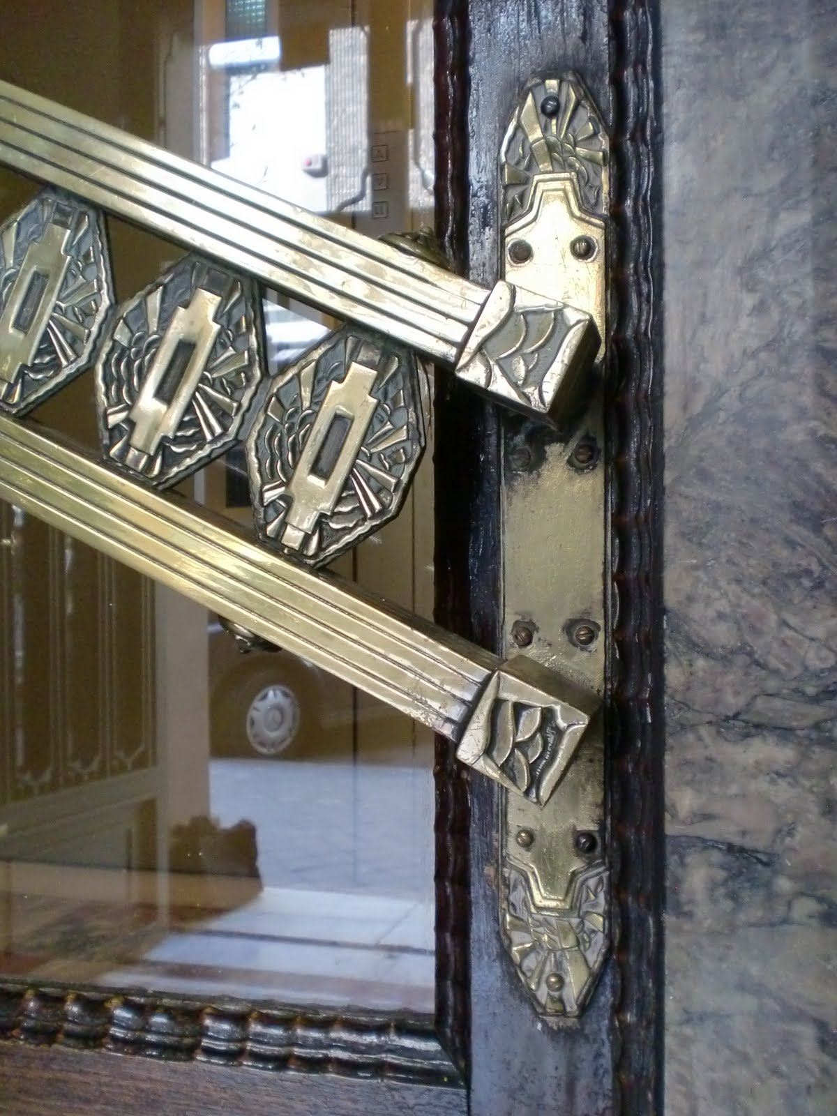 Madrid art dec maldonado 24 portal for Arquitectura franquista
