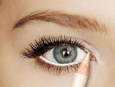 5 uses of butter eye pencil