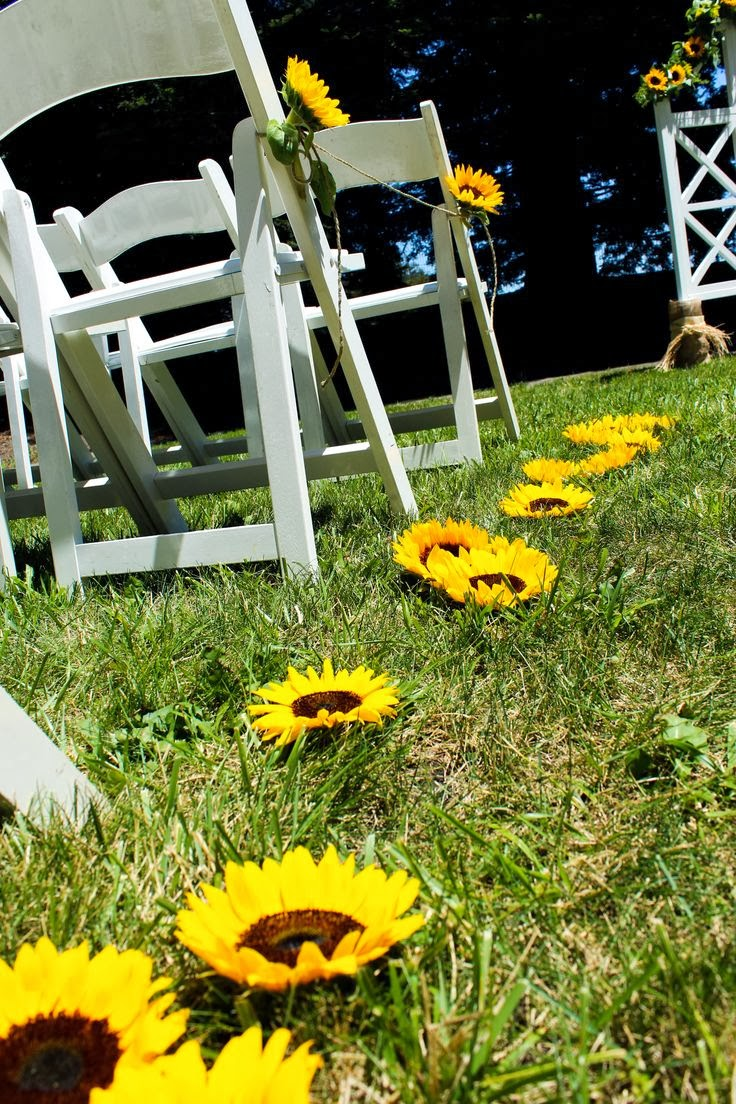 memorable wedding sunflower wedding theme a sunny idea for your special day. Black Bedroom Furniture Sets. Home Design Ideas