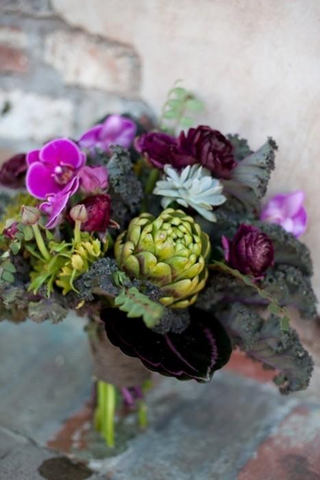 Design megillah flower centerpieces for shavuot