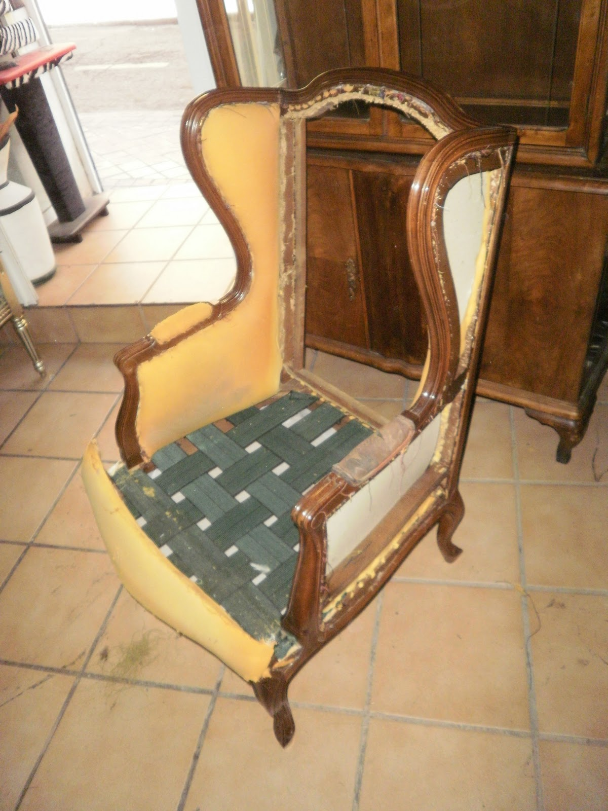 La tapicera orejero tapizado - Como tapizar un sillon orejero ...