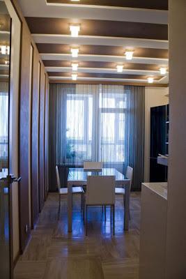 Apartamento con un diseño de toques oscuros