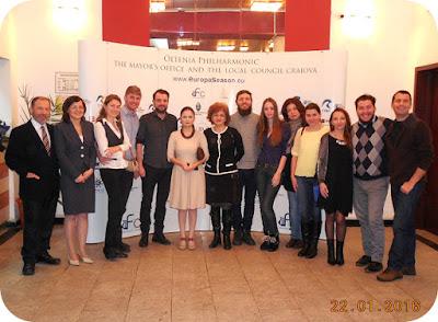 poza de grup la Filarmonica Oltenia Craiova