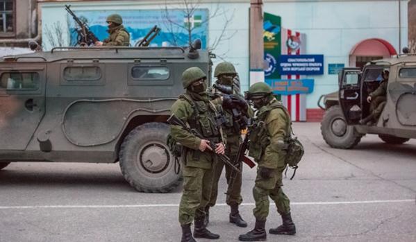 Kırım'da Rusya bayrağı | Kırım'dan 2 bin Ukraynalı asker tahliye ediliyor