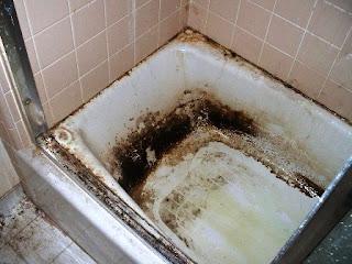 Noda kotor yang bandel di bathtub