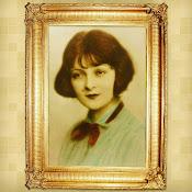 Kobiety ze starych pocztówek.