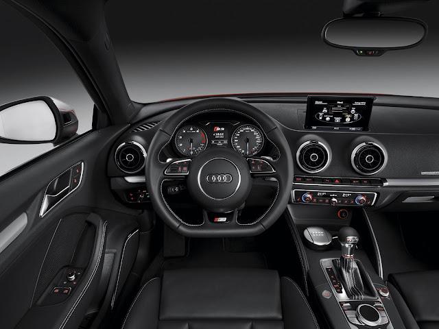 Audi S3 x BMW M135i - interior