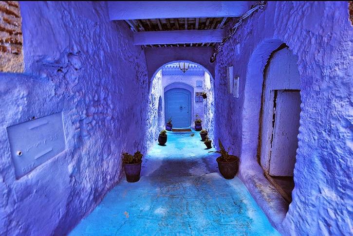 pueblo en marruecos pintado de azul