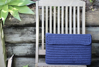 free crochet pattern laptop clutch