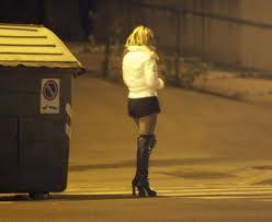 las prostitutas os precederán que significa prostituirse