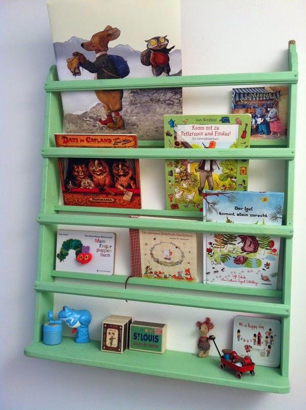 Wandregal bücher kinderzimmer  Lille Gren: Babyzimmer