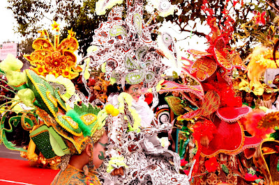 Pagelaran Solo Batik Carnival, Di Amerika Serikat, paman sam, batik solo, ikon, tim, anggota, kostum, solo batik carnival, indonesia, budaya