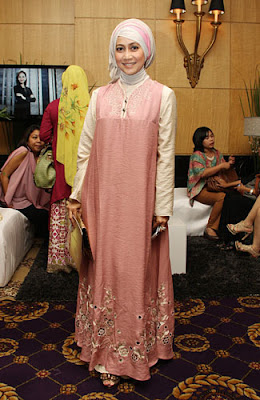 7 gaya hijab selebriti indonesia