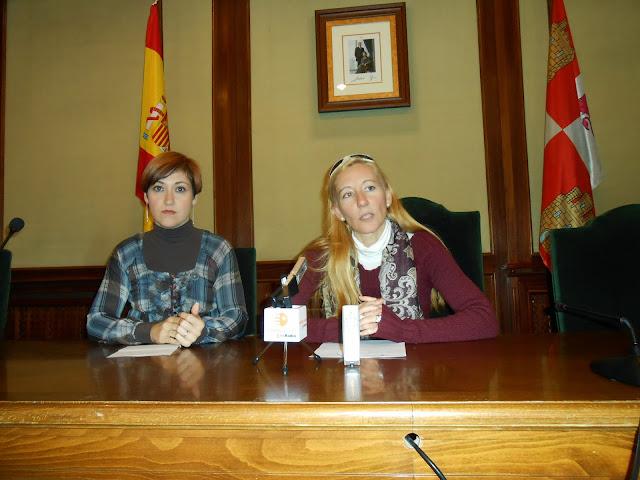 Rosa torres y CAstañar Rodill durante la presentacion de la campaña