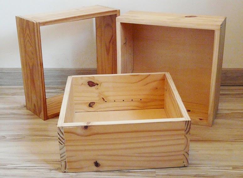 Cubes en bois découpés