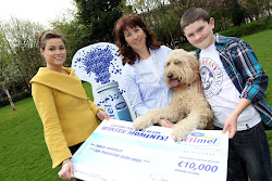 Clive & Murray win €10,000 for IGDB's Assistance Dogs