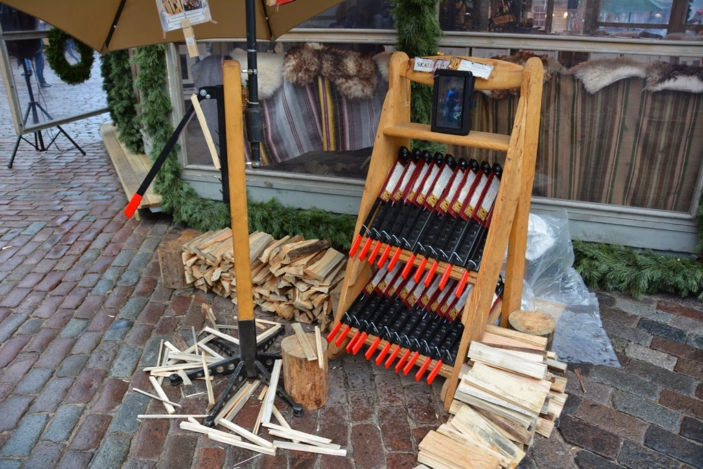 Christmas Market Riga wood cutting