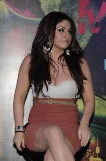 mumbai-mirror-movie-actress-gihana-khan-showing-cleavage