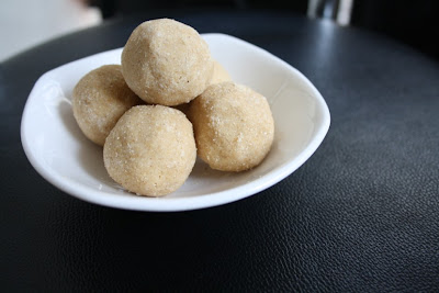 Sunnundalu with Sugar