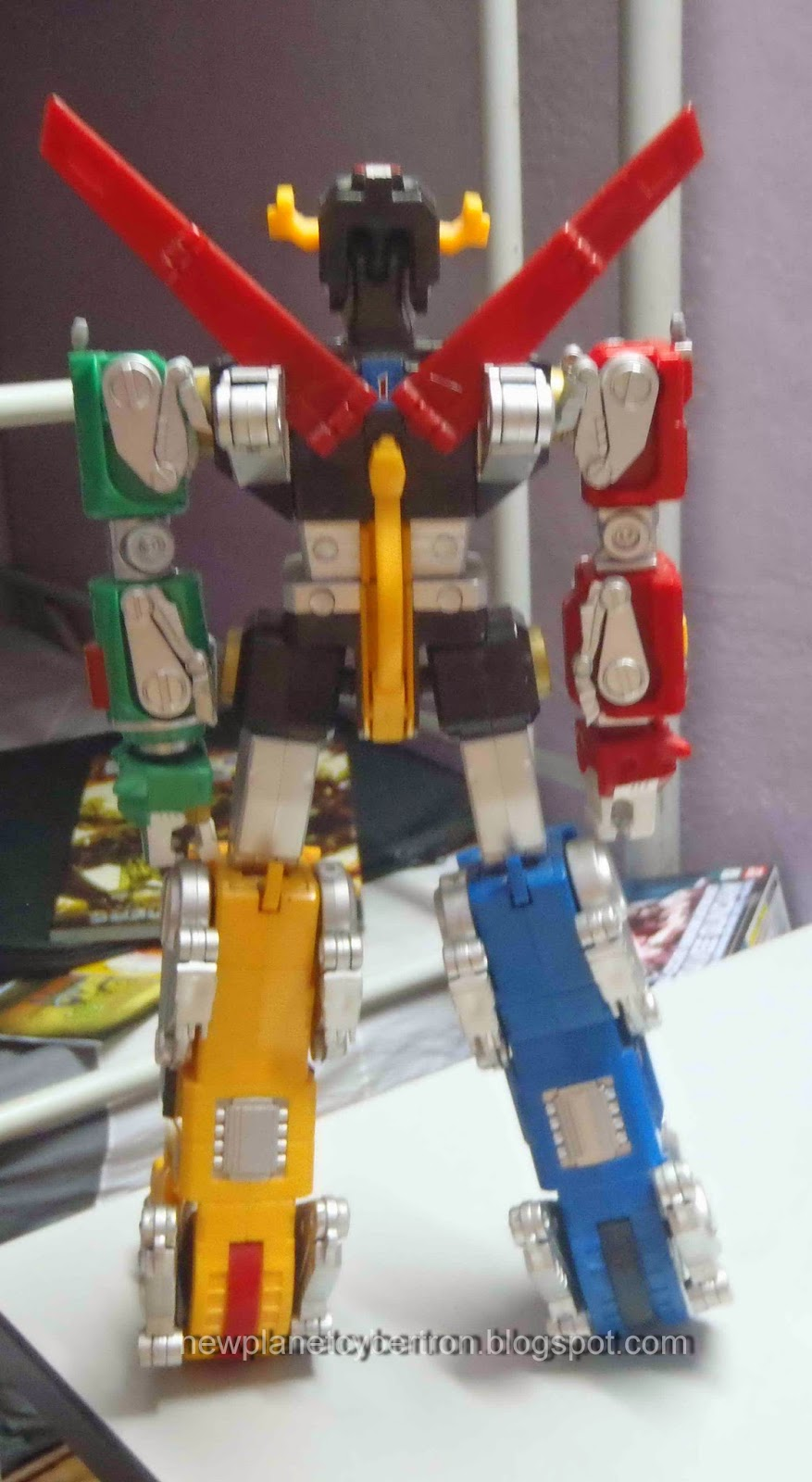 New Planet Cybertron: Misc Review: Collector Set Voltron ...