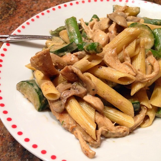 Healthy Creamy Dijon Chicken Pasta with Vegetables