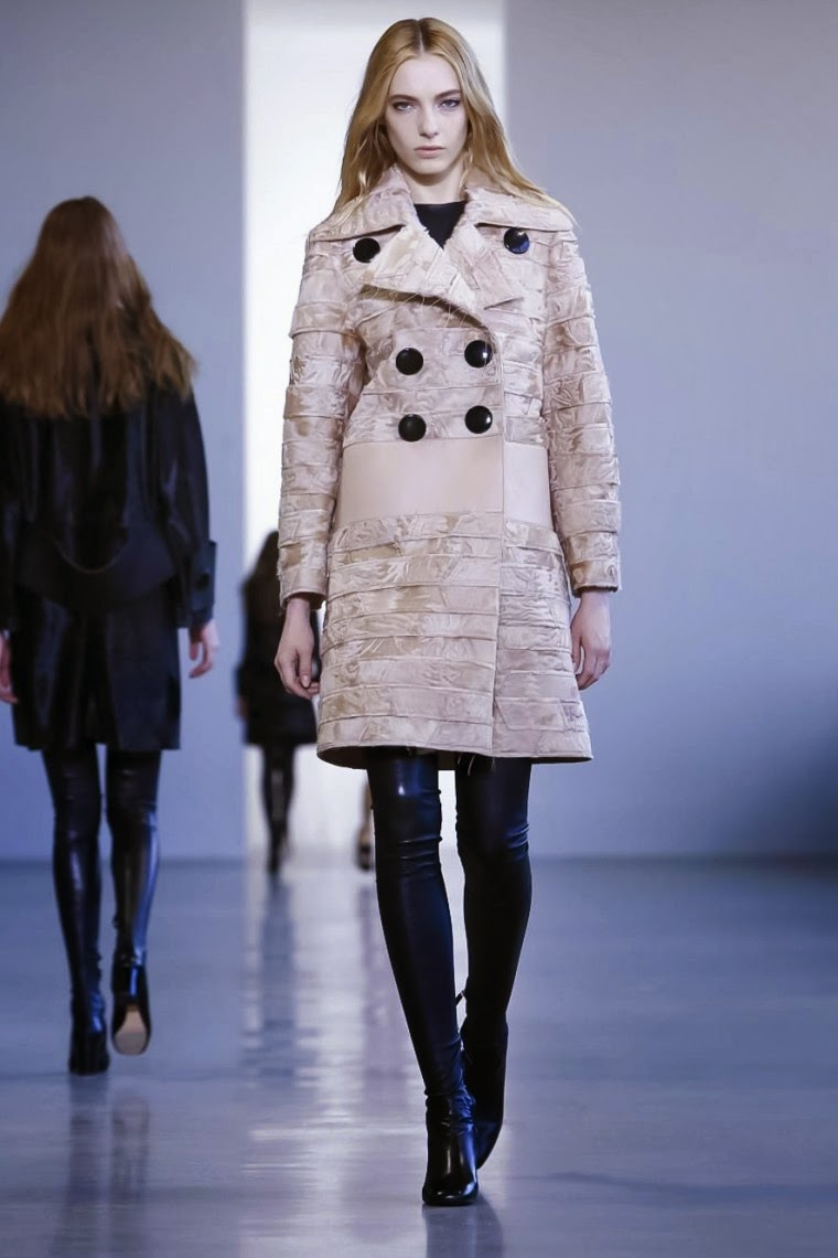 Calvin Klein AW15, Calvin Klein FW15, Calvin Klein Fall Winter 2015, Calvin Klein Autumn Winter 2015, Calvin Klein, du dessin aux podiums, dudessinauxpodiums, calvin klein femme, ck, calvin, calvin klien, calvinklein, calvin klein collection, new fashion trends, calvin klein dress, calvin klein store, fashion magazines, fashion blogs, mode a toi, revista de moda, vintage, vintage definition, vintage retro, top fashion, suits online, blog de moda, blog moda, ropa, asos dresses, blogs de moda, dresses, tunique femme, vetements femmes, fashion tops, womens fashions, vetement tendance, fashion dresses, ladies clothes, robes de soiree, robe bustier, robe sexy, sexy dress