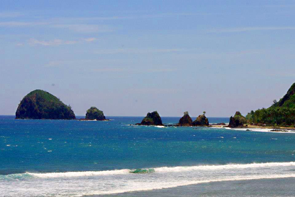 Baler Philippines  City new picture : Other parts of Baler. Waves for surfing and what sunsets!
