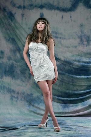 Han Ga Eun, White Strapless 08