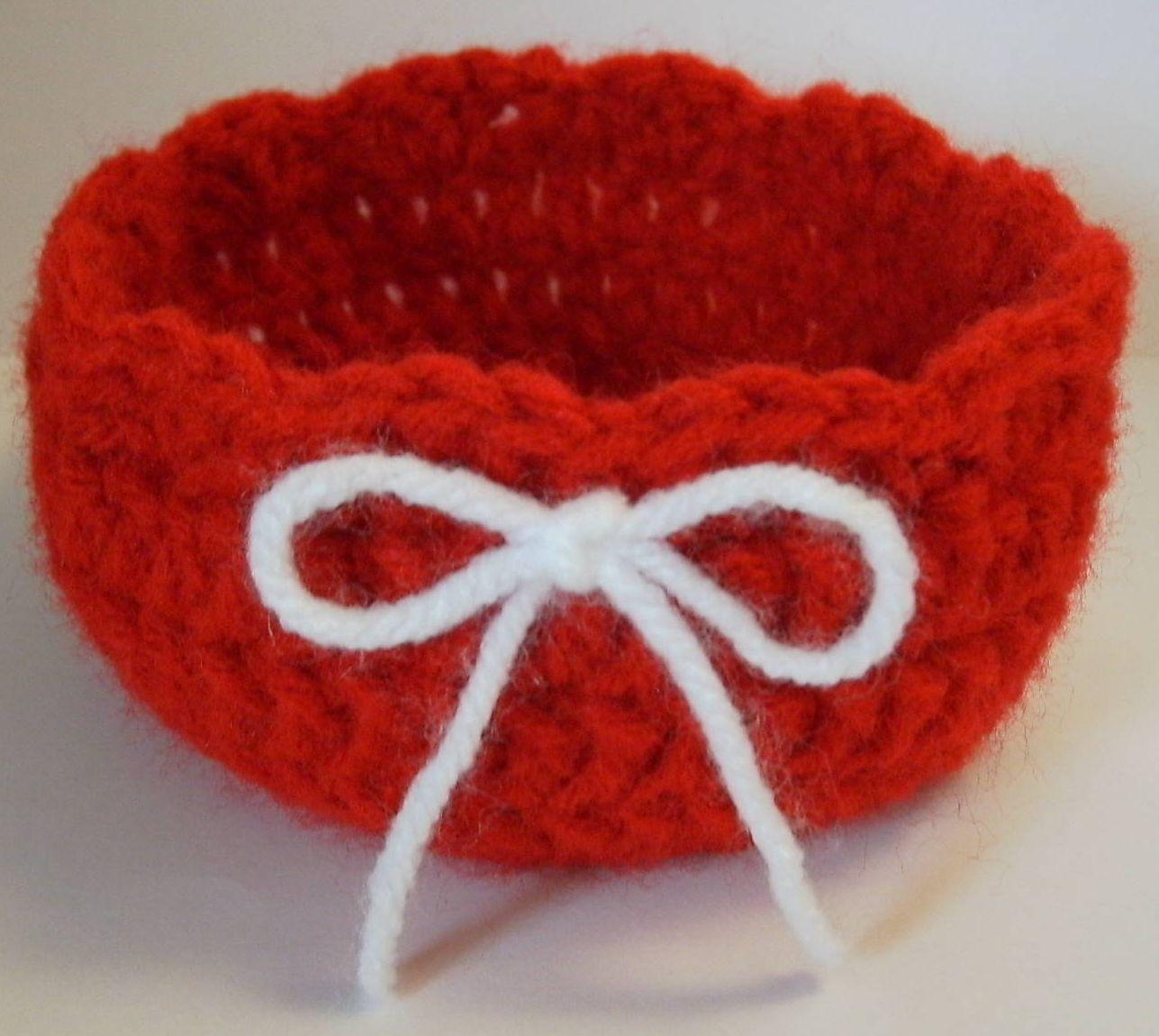 Valentine s Day Crochet Patterns : Crochet Carnival: Free Valentines Day Basket Crochet Pattern